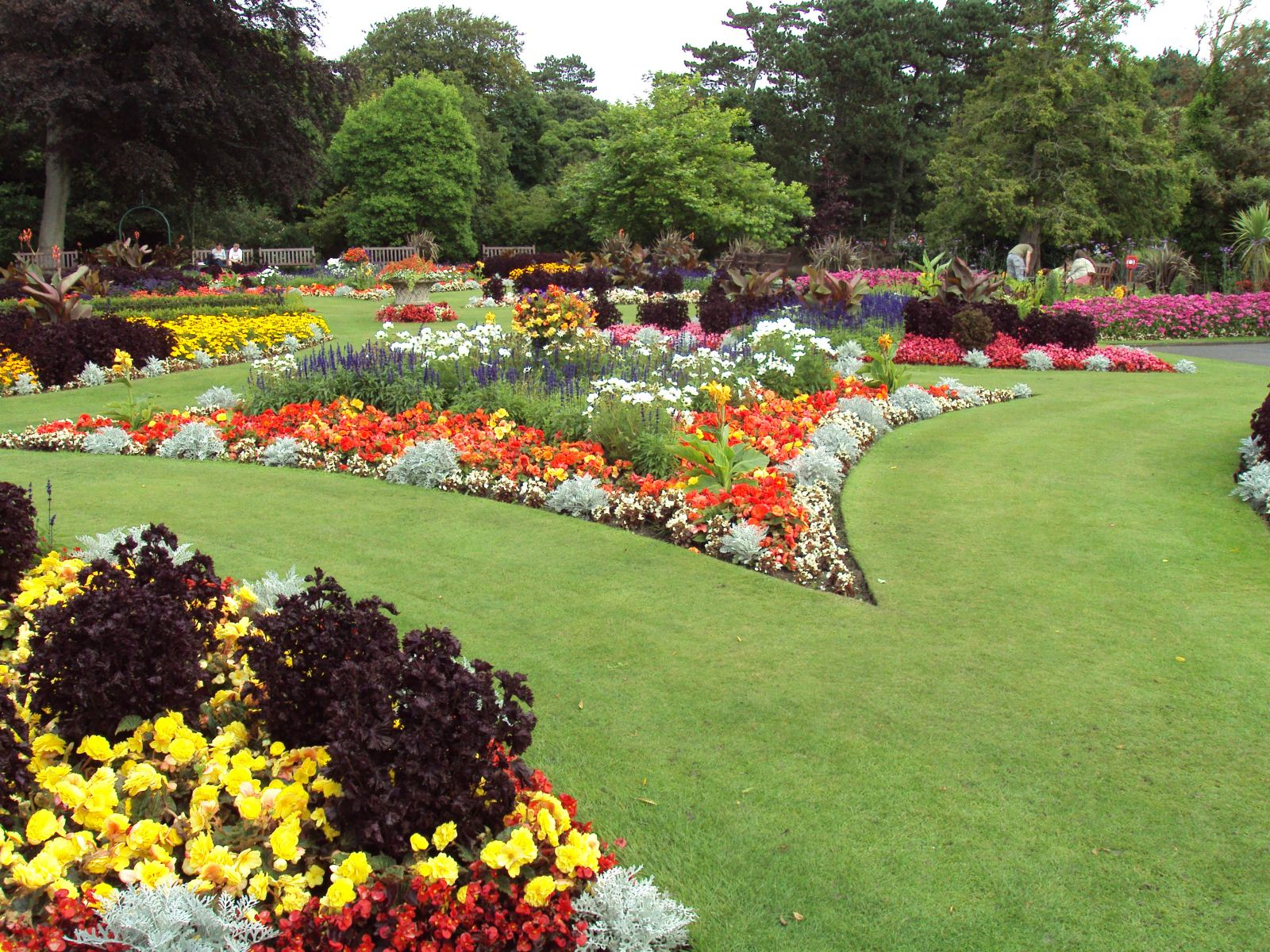 Flower_garden,_Botanic_Gardens,_Churchtown_2(1)