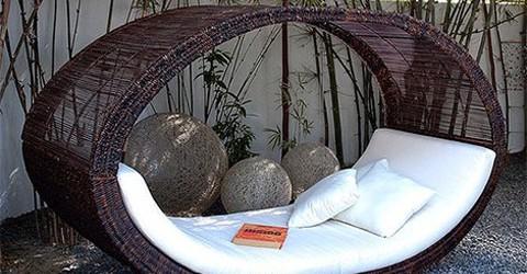 Bahçe mobilyalarında şık ve rahat tasarımlar