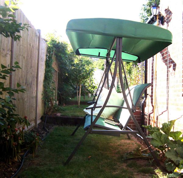tenteli-bahçe-salıncağı